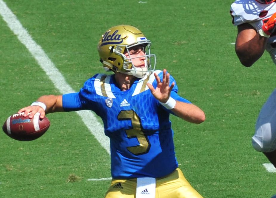 josh rosen throwing football